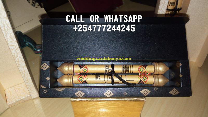 BLACK GOLD AFRICAN SCROLL